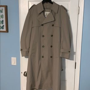 Beige London Fog Coat size 40 decent condition